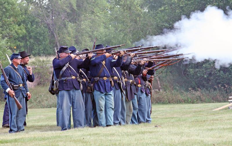 Blue skies & big crowds for Pipestone Civil War Days 2016